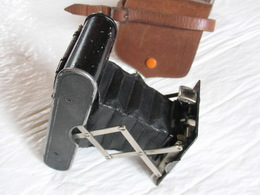 Appareil Photo Kodak Vest Pocket Eastman Rochester N.Y U.S.A Écrin Arnoux Paris. - Fototoestellen