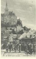 50 Le Mont St Michel  Arrivée D'un Train - Le Mont Saint Michel