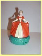 MAC004 / Figurine La Belle / Mc Donalds DISNEY / 1998 - Disney