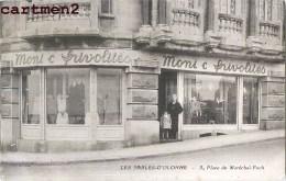 """LES SABLES-D'OLONNE DEVANTURE """" MONI'C FRIVOLITES """" 5 PLACE DU MARECHAL FOCH COMMERCE 85 VENDEE - Sables D'Olonne"""
