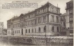 35 - Rennes - Les Musées - école De Médecine, Faculté Des Lettres Jusqu'en 1911 - Rennes