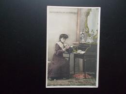 10 Cartes Série  Complète  LE PREMIER BAL DE LA JEUNE FILLE   1900/05 - Donne
