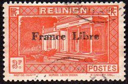 Réunion Obl. N° 211 Vue -> Musée Léon Dierx à Saint Denis Le 2fr Orange Surchargé France Libre - Réunion (1852-1975)