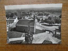 Plomodiern , Vue Prise Du Clocher , Le Grand Calvaire Du Placitre Et La Chapelle , L'école Et Les Maisons Du Bourg - Plomodiern