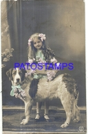 98053 REAL PHOTO GIRL AND DOG WITH FLOWER CIRCULATED TO ARGENTINA POSTAL POSTCARD - Illustrators & Photographers
