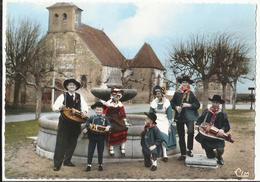 Groupe Folklorique De TREVOL (Allier) - France
