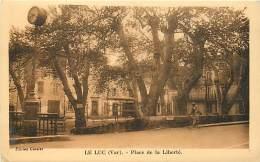 83  , LE LUC ,  Place De La Liberté , * 236 91 - Le Luc