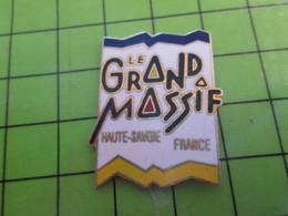 918a Pin's Pins / Beau Et Rare : Thème VILLES / LE GRAND MASSIF HAUTE SAVOIE FRANCE - Villes