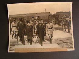 Photo Originale Henri Manuel Gare Verdun, Raymond Poincaré, Andre Lefevre, Marechal Petain, Wagons Lits Trains 18 - Célébrités