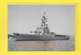 CPSM  Bateaux De Guerre Le Jeanne D' Arc Croiseur Porte Hélicoptère Ecole - Guerre