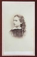 CDV. Laure Vailhen Née à Brest En 1859. Mariée à Vannes En 1880 à Pierre Neis. Photographe Wulff à Paris. 1873. Bretagne - Photos