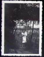 Vecchia Mini Foto D'epoca - Con Bambine E Donnina - Formato Piccolo Non Viaggiata – E 7 - Photographie