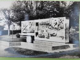 Challans Le Monument Milcendeau - Challans