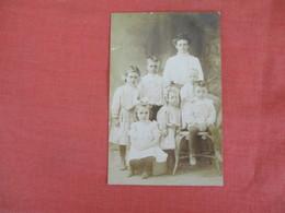 RPPC    Family Group Photo  >  Ref 3044 - Postcards