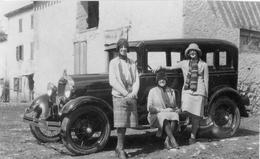 Dames Posant Devant Automobile  - Photo Originale Années 30 - 40 - Cars