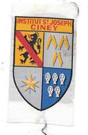 Ecusson SOIE TISSEE - INSTITUT St JOSEPH à CINEY - Belgique   5 X 9cm  Armoiries - Ecussons Tissu