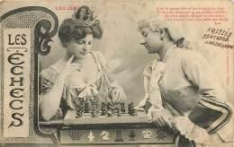 JEUX : LES ECHECS - Couple Jouoant Aux échecs - Fantaisies