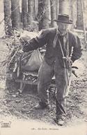 CPA - 1981 - En Forêt - Bûcheron - Landbouwers