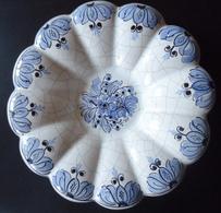 Belle Assiette Décorative Faïence Craquelée 19e ? Bleu Lavande Passé - Origine à Déterminer - Forme Fleur 12 Pétales - Zonder Classificatie