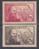 Madagascar N° 222 + 224 XX , Partie De Série : Les 2 Valeurs Sans Charnière, TB - Madagascar (1889-1960)
