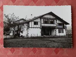 "Dep 64 , Cpsm  SARE , 1565 , Quartier Lehenbiscaye , Villa De ""Luis Mariano"" Et La Petite Rhune  (14.089) - Sare"