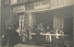 D-18-1554 : DIEPPE. AU PORT ANCIENNE MAISON CHARPENTIER. DE DIEPPE AUBERT-BOUVET. POISSONNIER - Dieppe