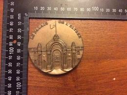 Médaille Le Palais De L Élysée 29eme Tournoi International Des Finances Budapest - Other