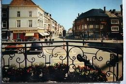 Wavre / Place De L'Hôtel De Ville Et  Rue Haute /  Delhaize Le Lion - Wavre