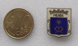 EPINGLETTE EMAILLEE ARMOIRIE DE MENDE - Badges