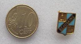 EPINGLETTE EMAILLE VILLE DE BEAURAING - Badges
