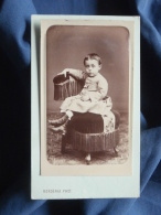 Photo CDV Bordéria à Reims - Portrait Henri Auffroy, Petit Garçon Assis Sur Un Fauteuil à Franges Vers 1875 L389B - Photographs