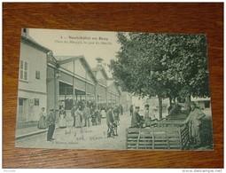 NEUFCHATEL EN BRAY : Place Du Marquis, Le Jour Du Marché ..................... DP-5235 - Neufchâtel En Bray