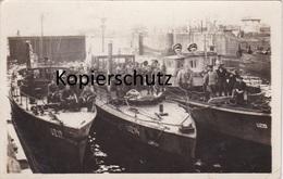 Alte Fotopostkarte Aus Dem 1. Weltkrieg -U-Boot-Zerstörer Im Hafen- - Matériel