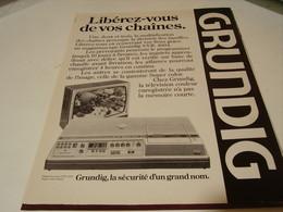 ANCIENNE PUBLICITE LIBEREZ VOS CHAINES GRUNDIG 1979 - Music & Instruments