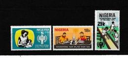 A08150)Nigeria 359 - 361** - Nigeria (1961-...)