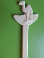 191 - Touilleur - Agitateur - Mélangeur à Boisson - Tabac - Camel - Blanc - Swizzle Sticks