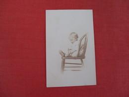 RPPC Child In Chair Ref 3045 - Enfants