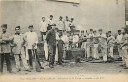 63 , BILLOM , Ecole Militaire , Manoeuvre De La Pompe A Incendie , CF * 341 01 - France