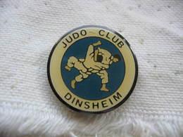 Pin's Du Judo Club De La Ville De DINSHEIM (Dépt 67) - Judo
