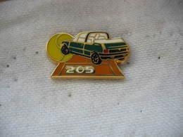 Pin's Automobile PEUGEOT 205 Décapotable Roland Garros - Peugeot