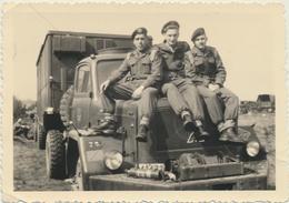 Militaires Et Camion à Keerbergen Avril 1957  Photo Originale  10/7 Cm - War, Military