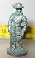 MOSCHETTIERE E27  METAL KINDER - Figurine In Metallo