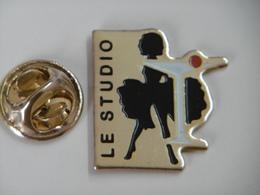 """Pin's - La PIN-UP Ombre De Marilyn MONROE """"LE STUDIO"""" - Pin-ups"""