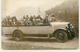 Carte-Photo - LOURDES - Groupe De Touristes Dans Un Autocar - Lourdes