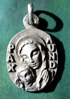 """Médaille Religieuse Pendentif Argent 800 """"Vierge à L'Enfant Pax Mundi"""" Par Jean-Jacques Krafft - Silver Religious Medal - Religión & Esoterismo"""
