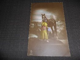 Femme ( 910 )  Vrouw   Cheval  Paard - Chevaux