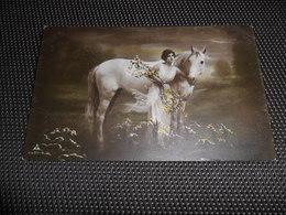 Femme ( 913 )  Vrouw   Cheval  Paard - Cavalli