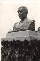 Bastogne - Buste Du Général Mac Auliffe - Bastogne