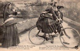 9437. CPA TYPES DES PYRENEES. LA LECON DE BICYCLETTE 1920 - Cartes Postales