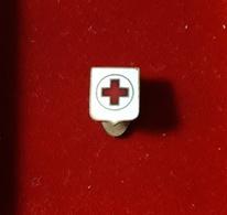 CROCE ROSSA ITALIANA / Piccolo Distintivo (Pin's) Della Croce Rossa Italiana - Militaria